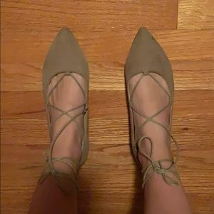 Chinese laundry tie flats